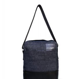 Изображение Джинсовая сумка с ремнем и черной полоской