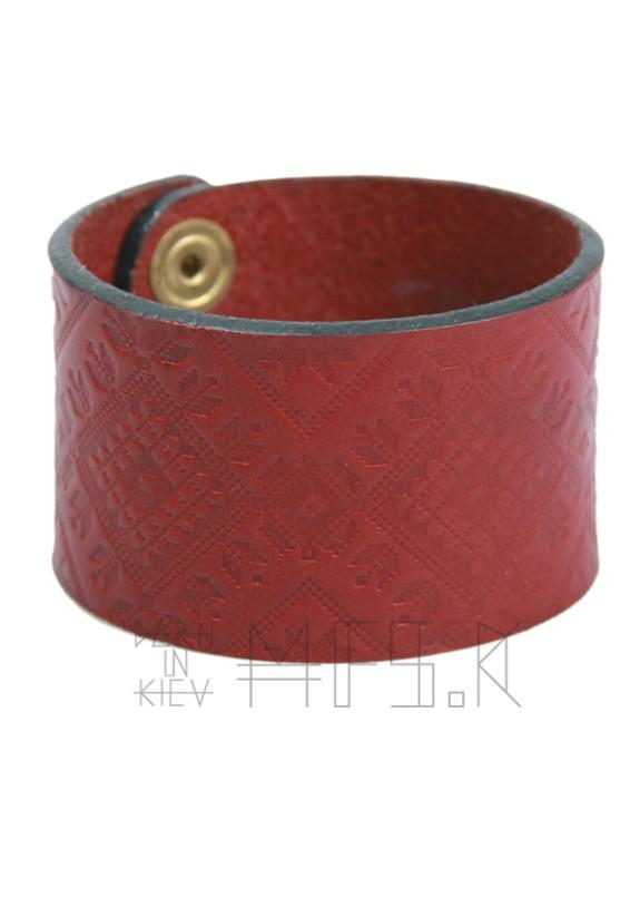 Изображение Красный браслет с узором