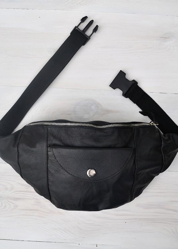 Изображение Сумка на пояс с накладным карманом черная Kogut