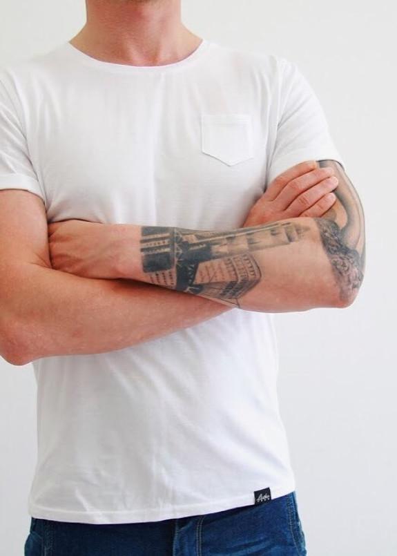 Изображение Футболка мужская с карманом белая Leska Prod
