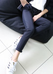 Изображение Костюм брючный женский с вышивкой темно-синий MARO
