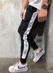 Изображение Спортивные штаны с надписями на лампасах