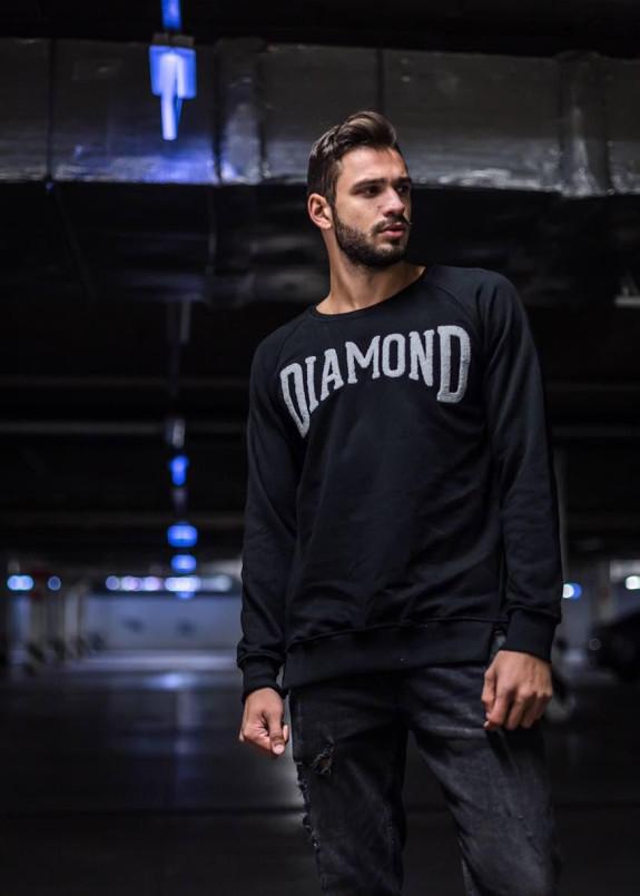 Изображение Стильный свитшот черного цвета с контрастной надписью DIAMOND