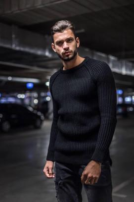 Изображение Вязаный свитер черного цвета MFSTORE