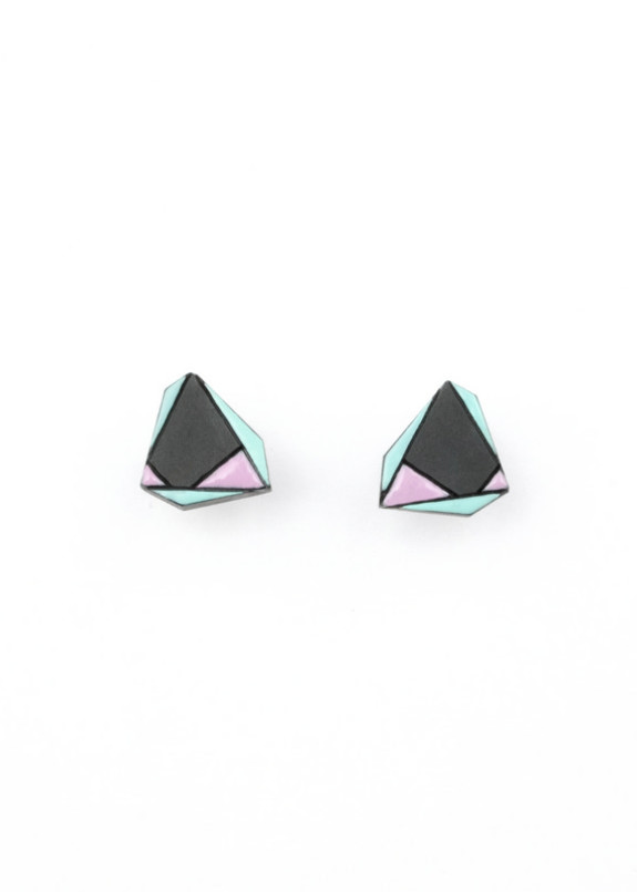 Изображение Сережки-гвоздики асимметричный треугольник с эмалью Nebula 7