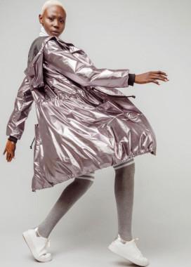 Изображение Плащ цвета металлик с затяжками