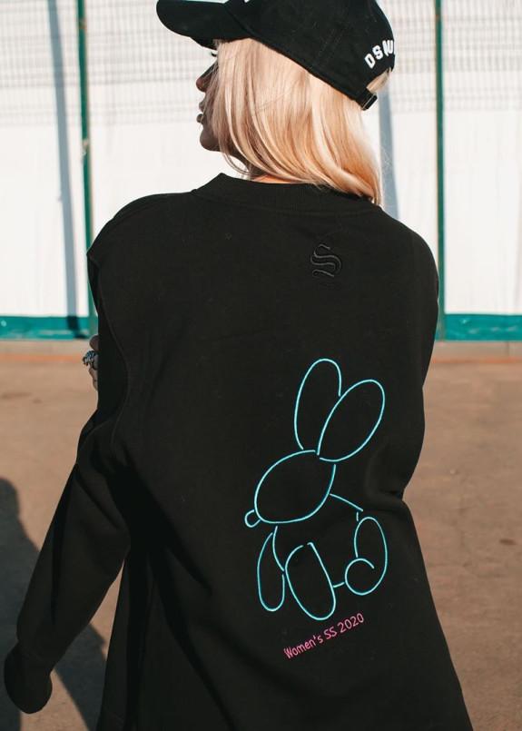 Изображение Свитшот женский с вышивкой зайца на спинке