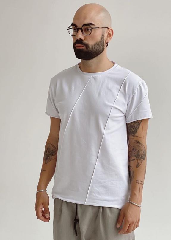 Изображение Базовая белая футболка со строчками