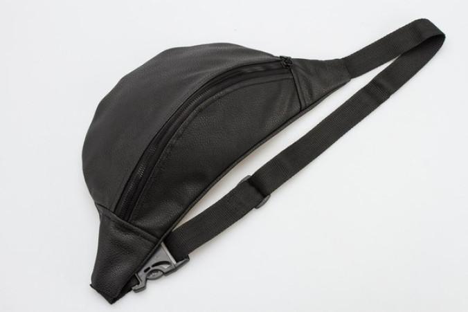 Изображение Черная сумка на пояс Mari Mir