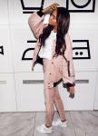 Изображение Бомбер женский Oversize светло-розовый