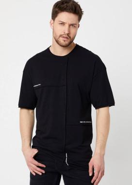 Изображение Асимметричная черная футболка с шовом MFStore