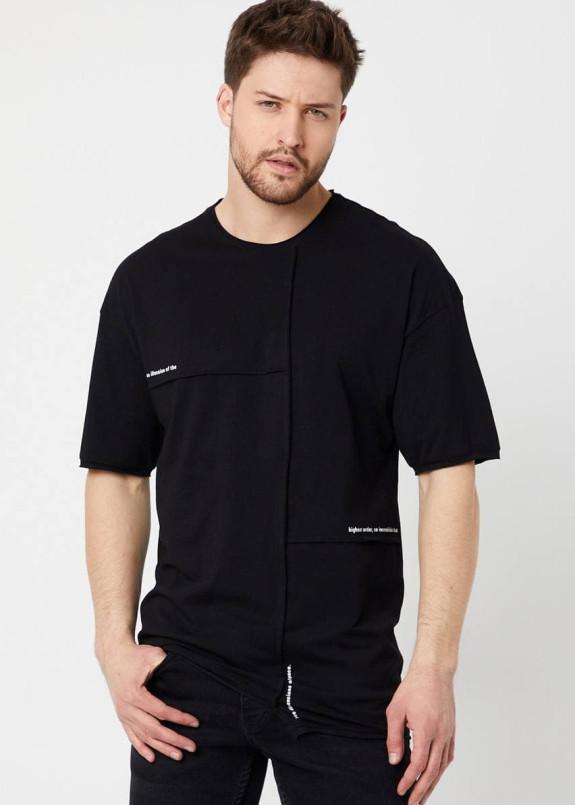 Изображение Асимметричная черная футболка со швом MFStore