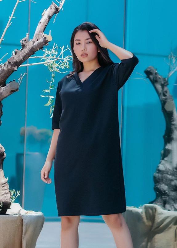 Изображение Платье-футболка женское черное с принтом