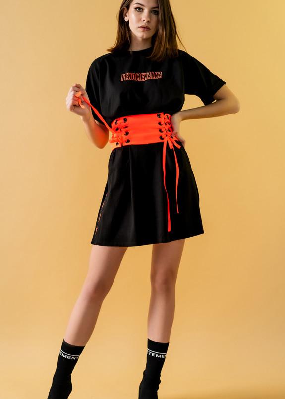 Изображение Черное платье-футболка с розовым поясом-корсетом