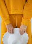 Изображение Костюм желтый тройка с штанами клеш