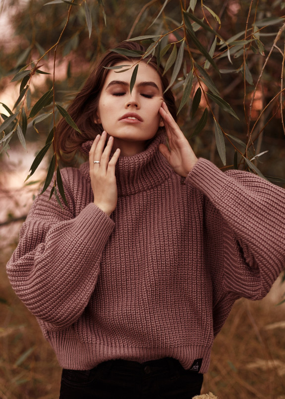 Изображение Свитер женский OVERSIZE CROP - темно/розовый