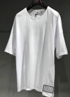 Изображение Футболка белая с арт обьектом на спине MFStore