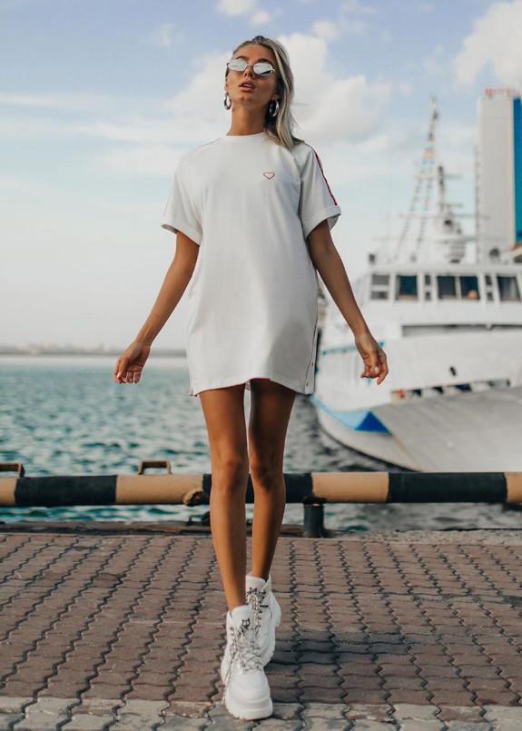 Изображение Платье-футболка молочная Street style