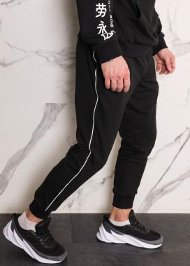 Изображение Спортивные штаны мужские черные с тонким белым лампасом  Рейн