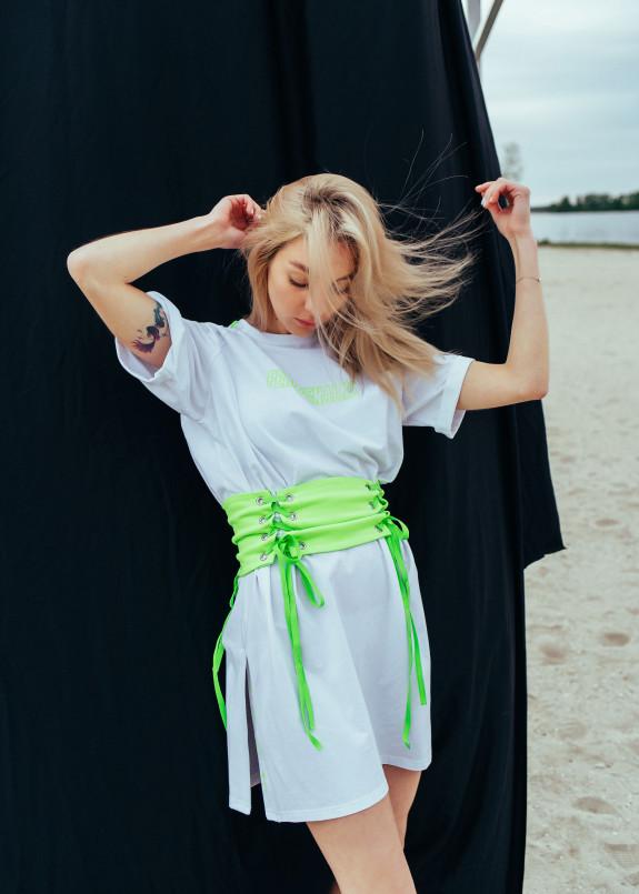 Изображение Платье-футболка с салатовым поясом-корсетом