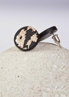 Изображение Гвоздики в виде круга с золотыми вставками