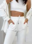 Изображение Женский молочный костюм с накладными карманами